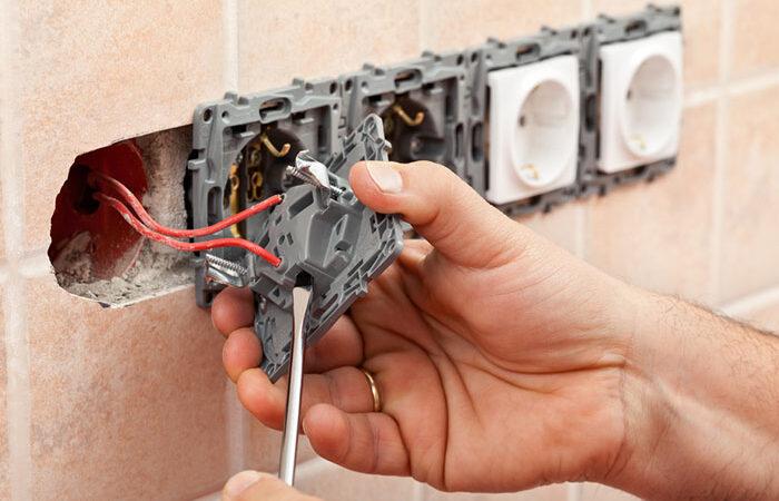 Laquelle choisir entre installation électrique apparente et encastrée?