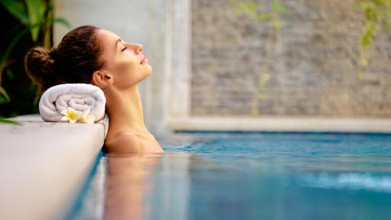 Piscine ou spa: lequel choisir pour être parfaitement détendu?